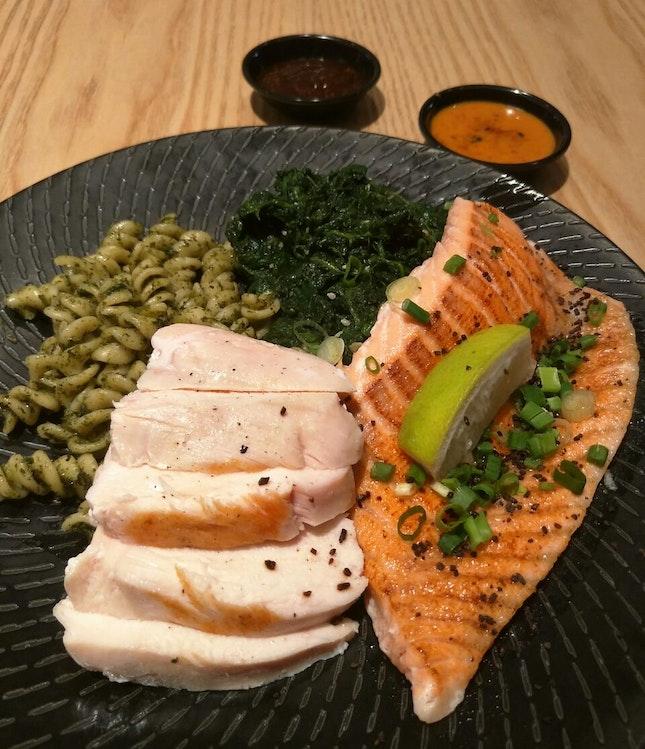 Salmon belly Chicken breast Pesto Pasta