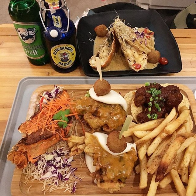 Signature Platter / Slipper Lobster, Crab Ball With Tomyum Cream Pasta