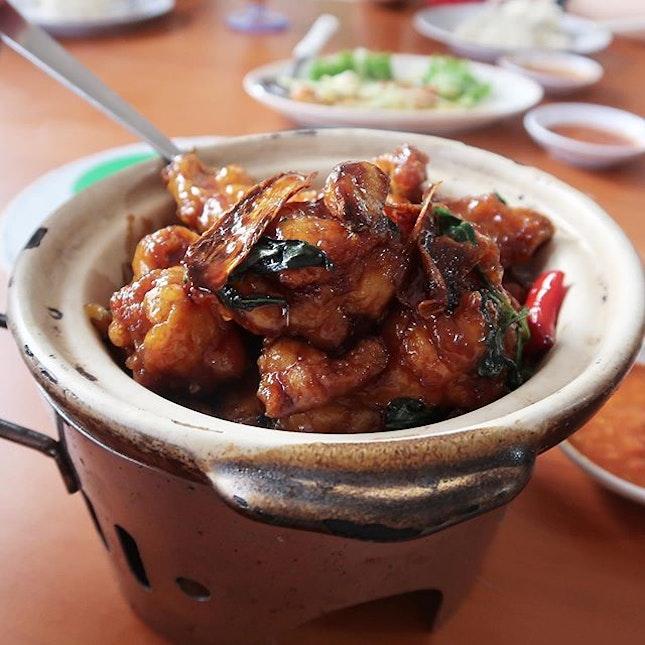 The Claypot Huatiao Chicken ($12/$18/$24) we had was also pretty good!