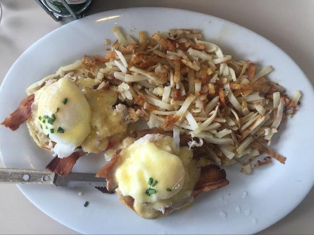 Eggs Benedict With Fresh Crab
