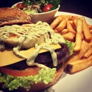 Mighty Pork Burger #pork#burger#minced#meat#mayonnaise#cheese#lettuce#tomato#instawow#instafood#instalike#instadaily#instafood#foodporn#foodpic#pic#food#western#cuisine#photoadayferbruary#iphone5s#igfame