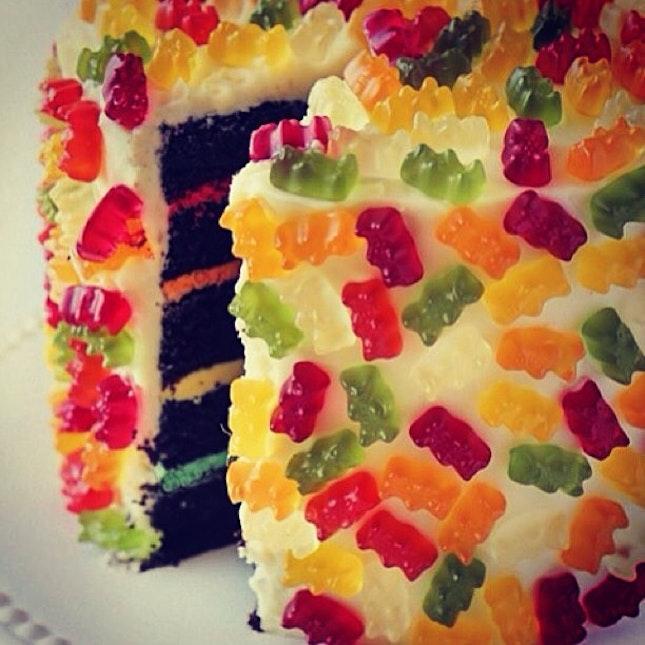 gummy bear cake :') #insta #food #cake #gummy #bear #colorful #like #yummy 🍰