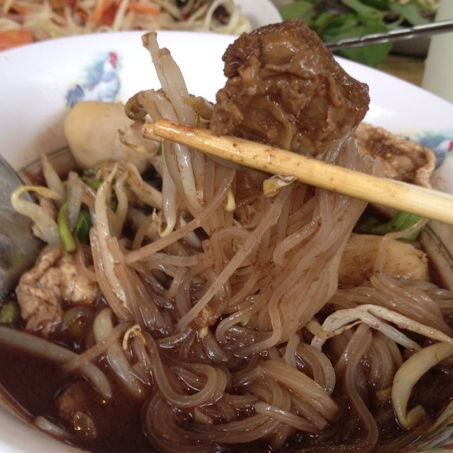 yummy pork noodle, preferred the beef noodle though (THB40-50)