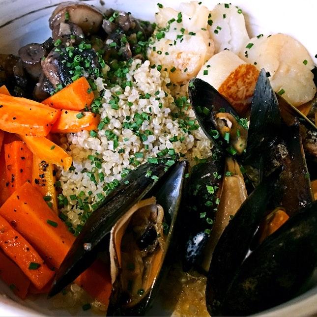 Kaisen Bowl ($16) + Quinoa ($3)
