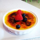 The beautiful Creme Brulee they have!!