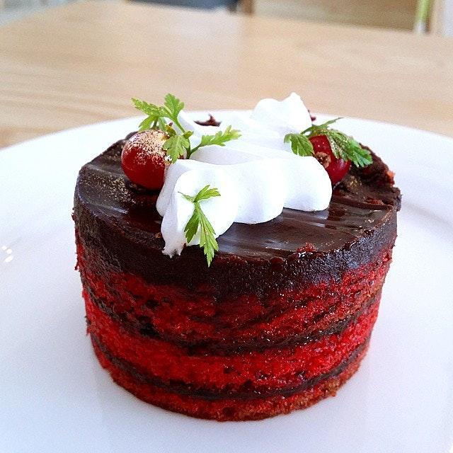 The beautiful Chocolate Red Velvet cake!