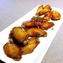 Enjoying my chicken wings platter!