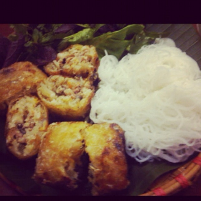 Rice Noodles With Crab Spring Roll