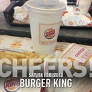 #instaplace #instaplaceapp #instagood #travelgram #photooftheday #instamood #picoftheday #instadaily #photo #instacool #instapic #picture #pic @instaplaceapp #place #earth #world  #singapore #toapayoh #burgerking #food #foodporn #restaurant #street #night