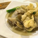 Yuan Yang Hor Fun with Clams ($16/24/32)
