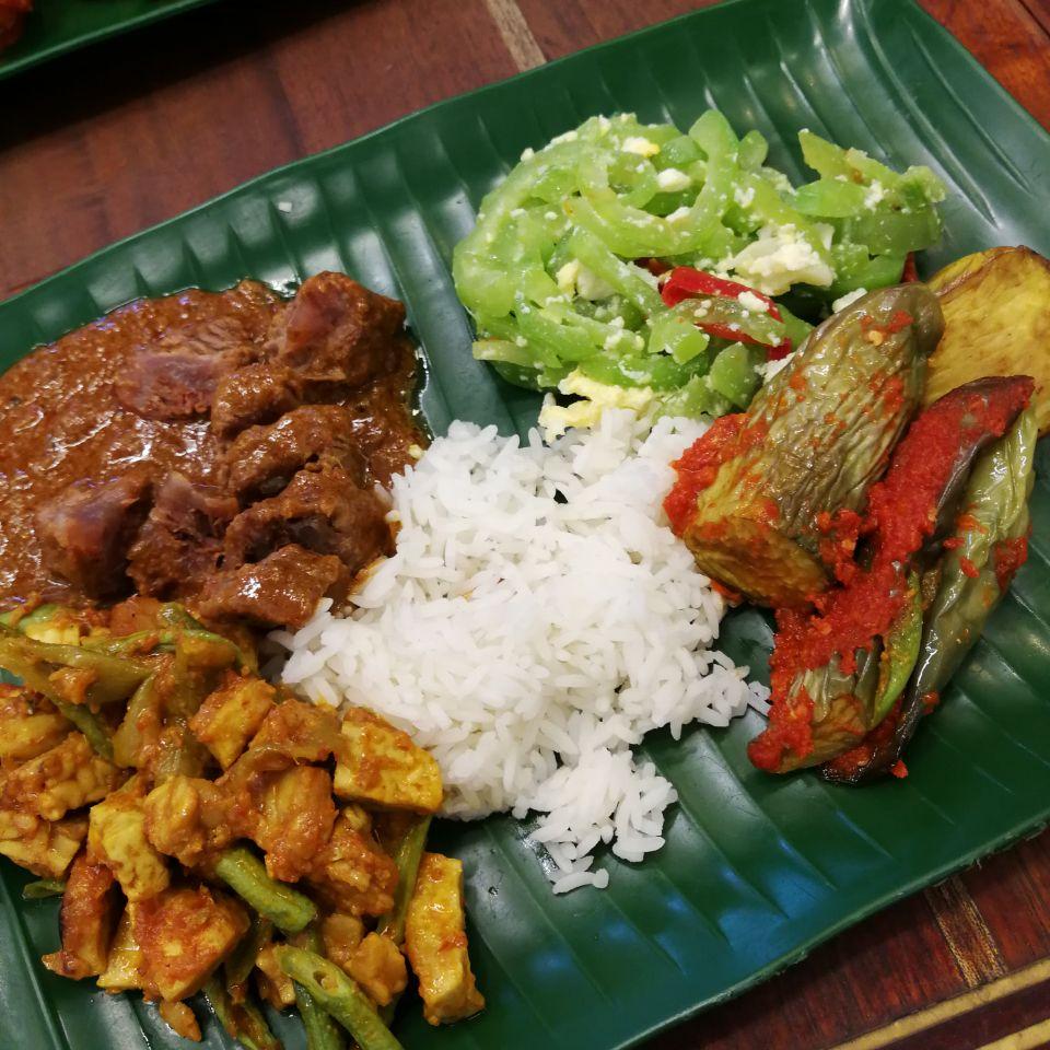 Download Lagu Goyang Nasi Padang 2: Nasi Padang By Shining Galaxy