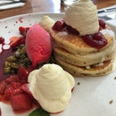Pancakes & Red Berriee