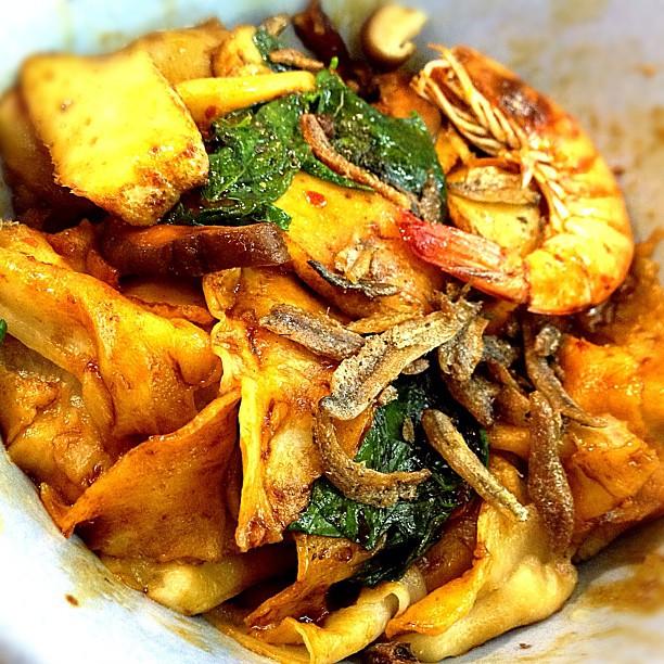 Dried Mee Hoon Kueh.