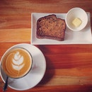 Another day another #latte with an awesome banana bread !