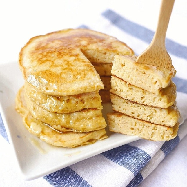 Wholewheat yogurt pancakes doused in maple syrup and (melted) butter 😊