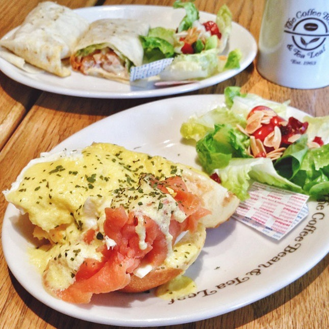 Salmon Eggs Ben X Tandoori Chicken Wrap 😊