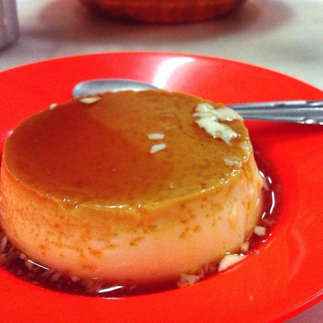 Creme caramel from kopitiam based in Ipoh aka 炖旦 #ipoh #roadtrip #cremecaramel #friday #tgif #foodporn #dessert #kopitiam #igmalaysia #igmsia
