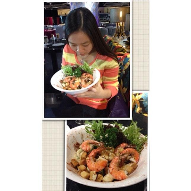 I like salad, I like prawn.